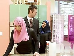 Arab Wifey In Hijab Ella Knox Serves Her Spouse Like Nobody Else Before