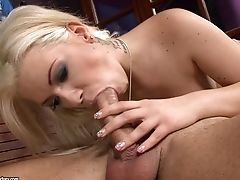 Sexy Blonde Likes The Boner In Her Cock-squeezing Bum
