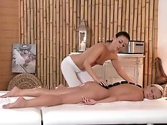 Rubdown Rooms Hot Girly-girl Nubile Gets Bathed Before An Intense Orgasm