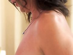 Matures Gets Her Pretty Face Painted With Dick Juice After Fucky-fucky With Horny Dude