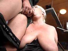 Blonde Gives Unbelievable Oral Pleasure To Hard Cocked Dude By Deep Throating His Ram Cane