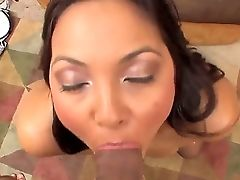 Latina Adrianna Luna Gives A Oral Pleasure In Close Up