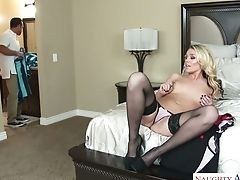 Mouth-watering Bombshell Alexis Monroe Shagged Deep In Her Snatch